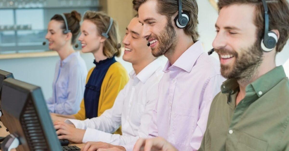 kundekommunikasjon team forbedre kundeopplevelser